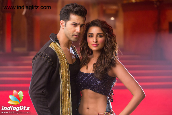 CHECKOUT Parineeti Chopra looks HOT with Varun Dhawan in 'Jaaneman