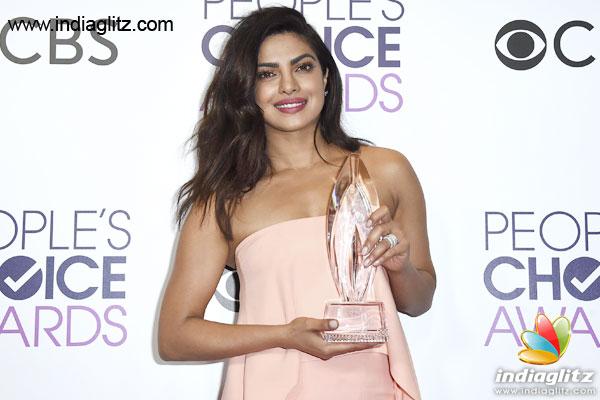 Priyanka Chopra wins award for 'Quantico' - Tamil Movie News
