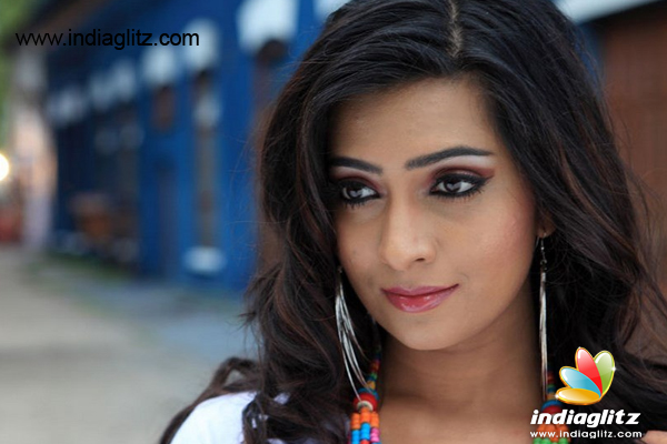 Continue Acting - Radhika Pandit - Telugu News - IndiaGlitz com