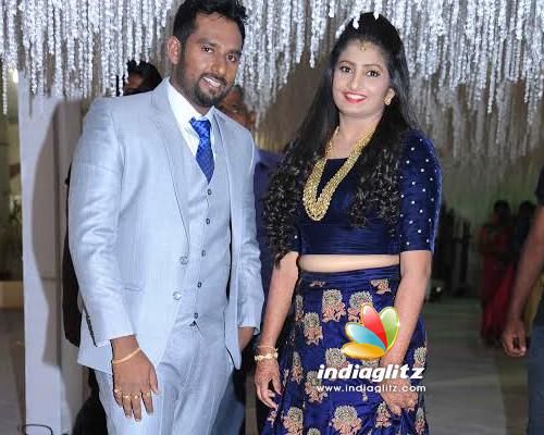 Suni wedding reception, artists attend - Kannada News