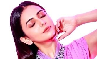 50% சம்பளத்தை குறைத்த கோலிவுட்டின் முன்னணி நடிகை!