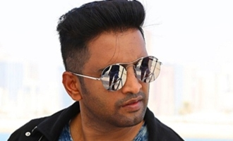 """Very sorry for misleading!"" Santhanam's director emotional!"