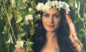 Simran gets back her iconic role that she missed fifteen years back?