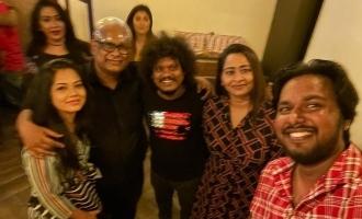 'குக் வித் கோமாளி' பிரபலங்களுடன் இணைந்த 'பிக்பாஸ்' பிரபலங்கள்: வைரல் புகைப்படங்கள்