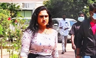 Vanitha Vijayakumar to pair with gold man in his debut movie!
