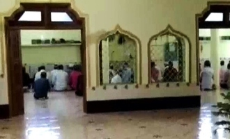 40 booked for secretly gathering at mosque for prayers