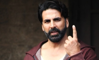 Akshay Kumar threatens legal action over 'fake news' on booking a flight