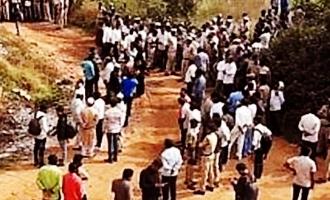 ఉదయం నుంచి తెలుగు రాష్ట్రాల ప్రజలంతా టీవీల ముందే!