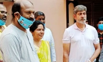 Jagapathi Babu helps 10,000 every day