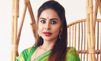 Sri Reddy to enter politics
